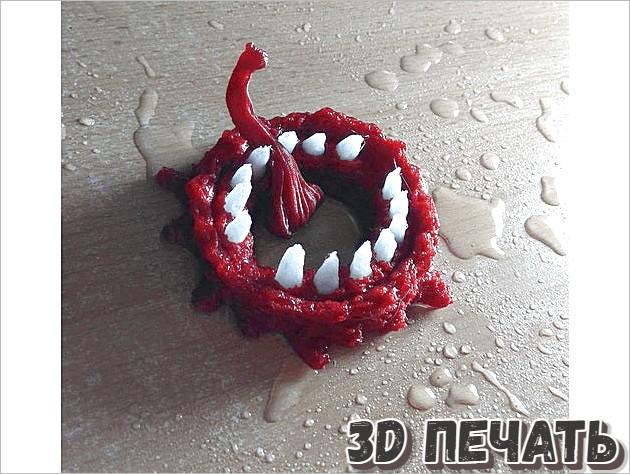 Маленький рот монстра с зубами
