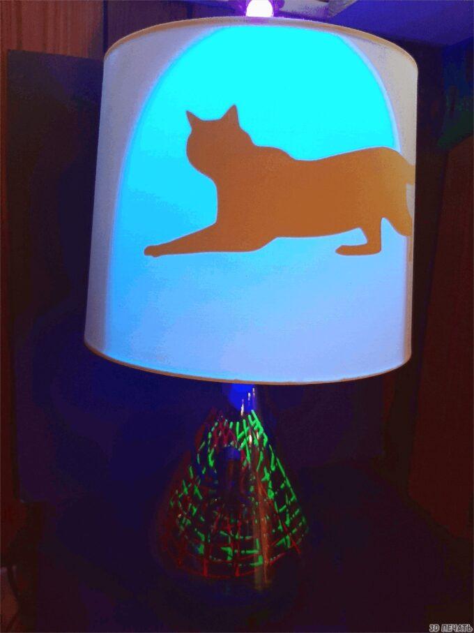 Настольная лампа с пауком в 3D